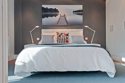 Proyecto decoración e Plaza Euskadi. | Bilbao.: Dormitorios de estilo moderno de URBANA 15