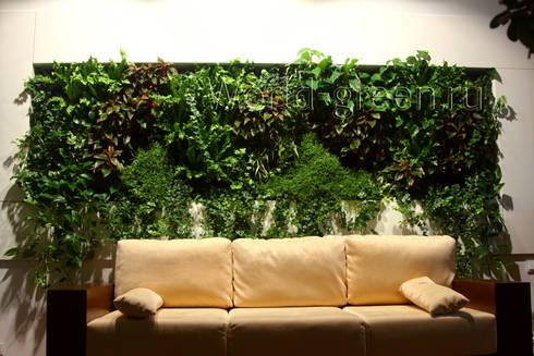 Фитостена в рабочем кабинете: Рабочие кабинеты в . Автор – Зеленый мир