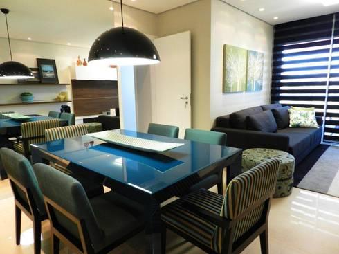 Projeto arquitetônico de interiores para residência unifamiliar. – (Fotos: Luiz Zanoni): Salas de jantar ecléticas por ArchDesign STUDIO