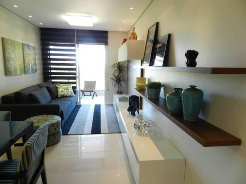 Projeto arquitetônico de interiores para residência unifamiliar. – (Fotos: Luiz Zanoni): Salas de estar ecléticas por ArchDesign STUDIO