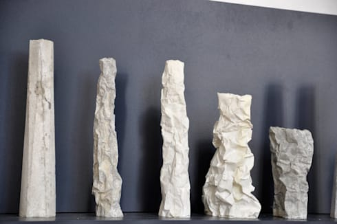 Vases série Falaise & serieTotem: Maison de style  par Chauvin Amandine