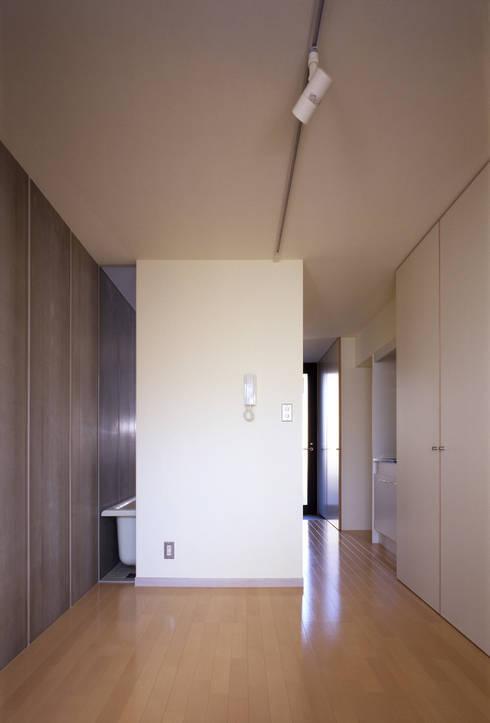 居室TYPE-A: 濱嵜良実+株式会社 浜﨑工務店一級建築士事務所が手掛けた家です。