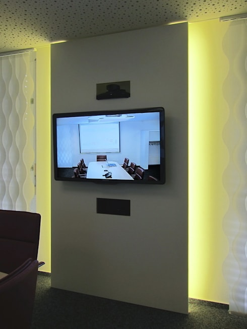 TV-Paneel im Konferenzraum:  Bürogebäude von hansen innenarchitektur materialberatung