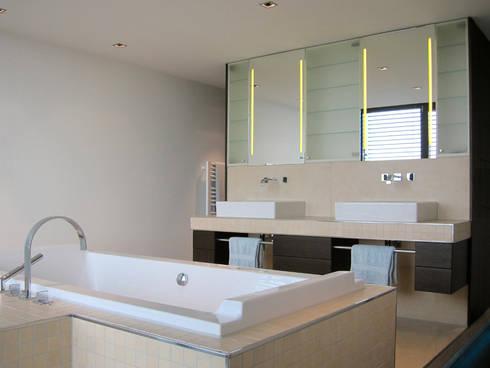 Luxusbad mit duschraum von hansen innenarchitektur materialberatung homify - Innenarchitektur badezimmer ...