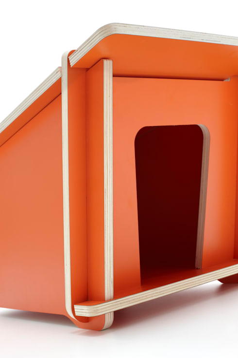 Doghouse_ Design Mood: Casa in stile  di Design Mood