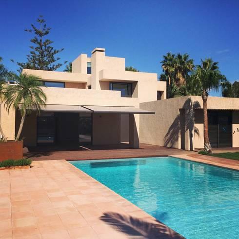 Benyamina 5: Casas de estilo moderno de saz arquitectos