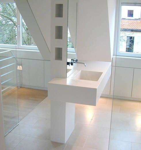 Waschtisch:  Badezimmer von Architekturbüro Wörner