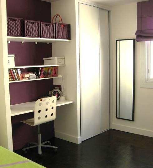 Nursery/kid's room by espaces & déco