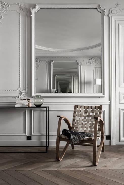 Paris 75006: Salon de style  par César Pupat Architecture intérieure