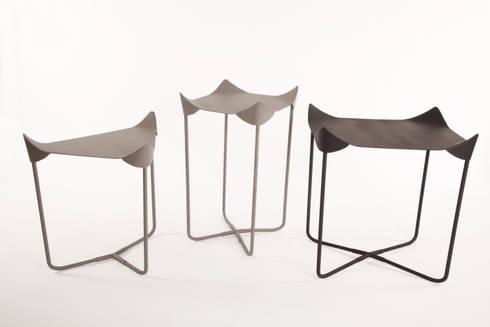 Mesas lateral, alta y esquinera: Salas de estilo minimalista por Natural Urbano