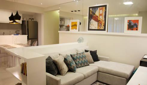 Sala de estar: Salas de estar modernas por Nataly Aguiar Interiores