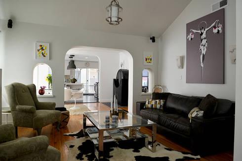Rejuvenation Project, Los Angeles CA 2014: Salas de estilo ecléctico por Erika Winters® Design