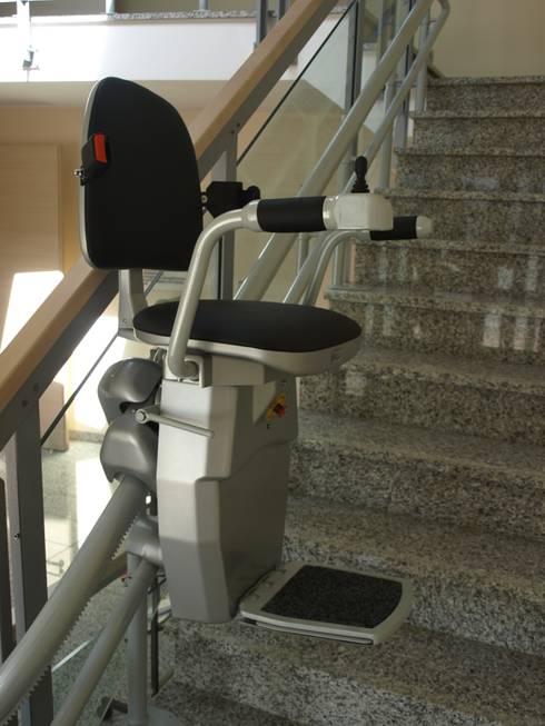 Sitzlift:  Bürogebäude von Wachsmann Lift-Technik