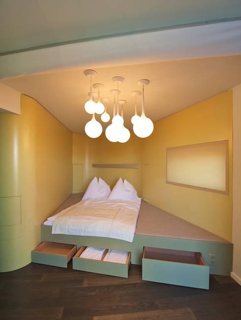 eclectische Slaapkamer door 3rdskin architecture gmbh