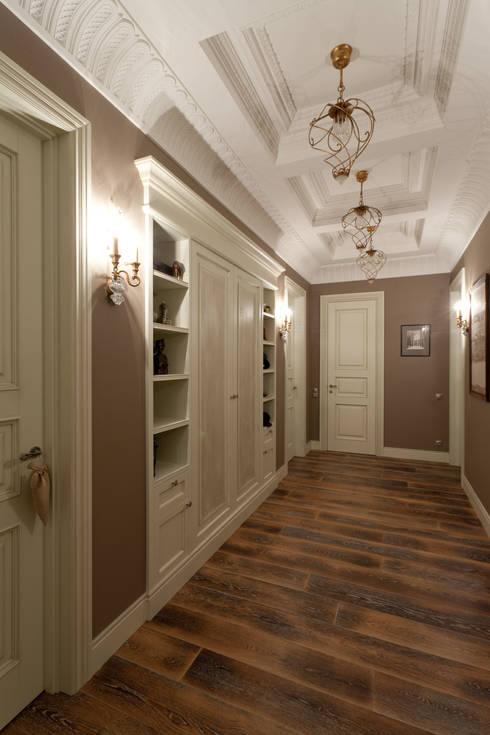 Квартира на набережной.: Коридор и прихожая в . Автор – А-Дизайн
