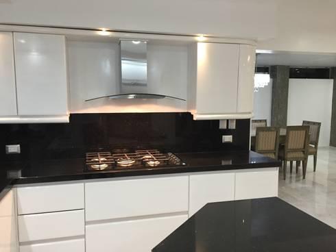 cocina: Cocinas de estilo moderno por Arki3d