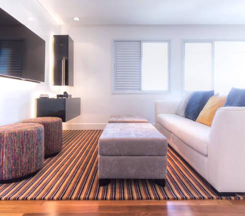 Sala de estar: Salas de estar minimalistas por ArkDek
