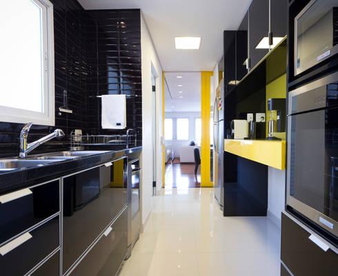 Cozinha: Cozinhas ecléticas por ArkDek