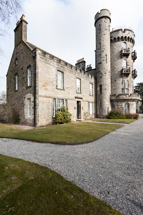 A-Listed Castle & Chapel :  Houses by GLM Ltd.