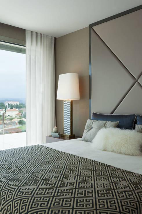 Master Suite: Quartos modernos por Ana Rita Soares- Design de Interiores