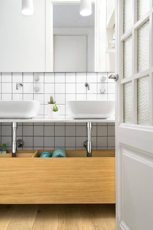 Baños de estilo escandinavo por Egue y Seta