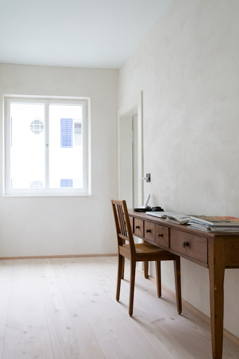 Alte Bäckerei wird zum Wohnhaus: landhausstil Arbeitszimmer von pur natur