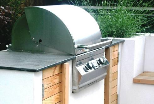 Outdoor kitchen by Rae Wilkinson: modern Garden by Rae Wilkinson Design Ltd