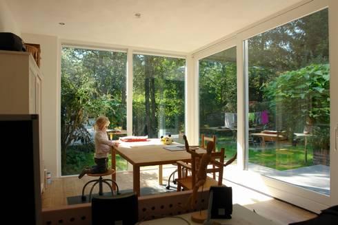 kiezen voor natuurlijke en duurzame materialen: moderne Huizen door mickers architectuur
