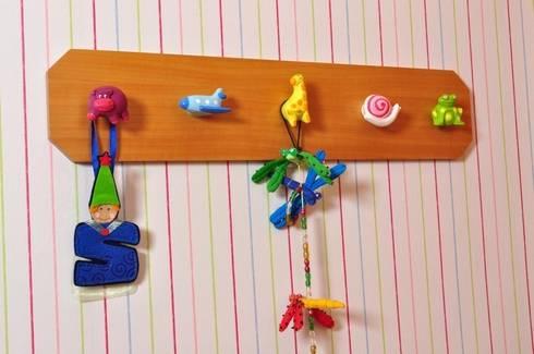 Percheros de pared infantiles by pomoline homify - Percheros pared infantiles ...