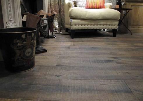 ESCO SUELOS DE MADERA: Paredes y suelos de estilo rústico de Esco suelos de madera