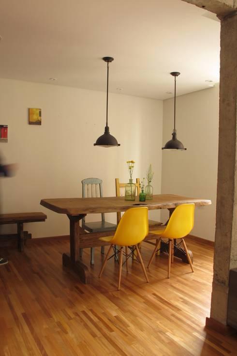 Apartamento Visconde da Luz: Salas de jantar  por Rachel Nakata Arquitetura