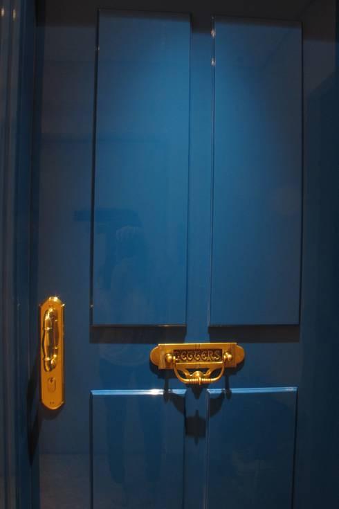Apartamento Visconde da Luz: Janelas   por Rachel Nakata Arquitetura