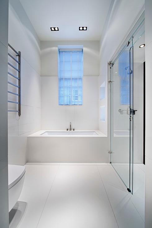 Covent Garden Penthouse:  Bathroom by Adventure In Architecture