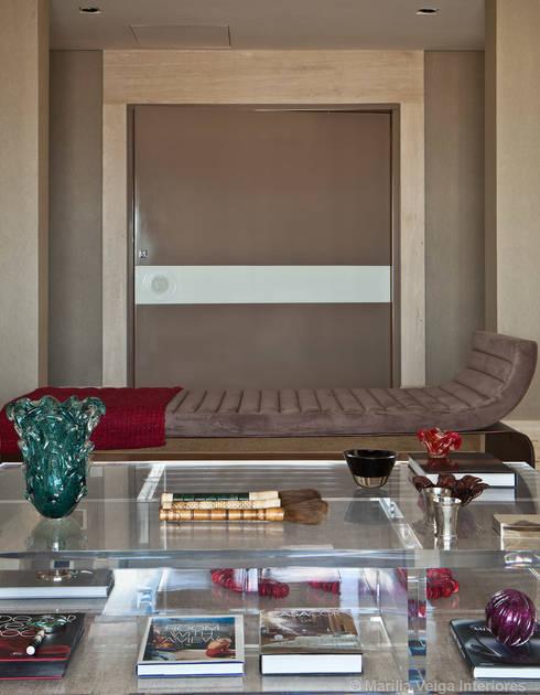 Living: Salas de estar modernas por Marilia Veiga Interiores