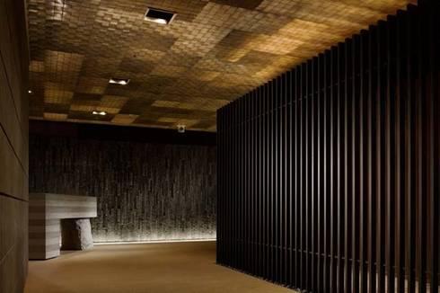 パレスホテル東京 和食店 天井 真鍮網代編み: ubushina(t.c.k.w inc.)が手掛けたアートです。