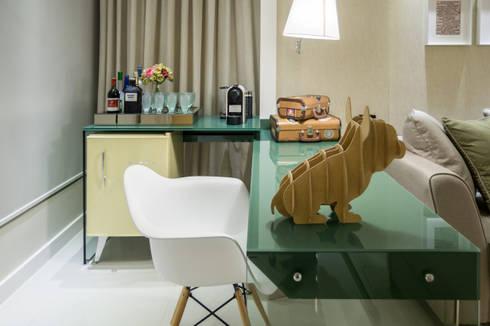 Projeto 12 – Residência Clean: Salas de jantar modernas por GREISSE PANAZZOLO ARQUITETURA