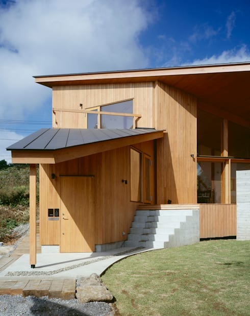 Villa Boomerang / 八ヶ岳の別荘: 森吉直剛アトリエ/MORIYOSHI NAOTAKE ATELIER ARCHITECTSが手掛けた家です。