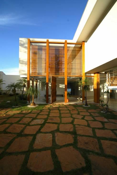 Residência AN: Casas  por Mascarenhas Arquitetos Associados