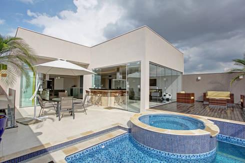 RESIDÊNCIA AV: Casas modernas por Le Araujo Arquitetura