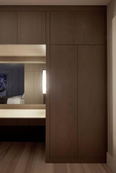 Project Glasshouse: minimalistische Slaapkamer door Proest Interior