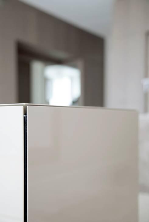 Project Glasshouse:  Multimedia ruimte door Proest Interior