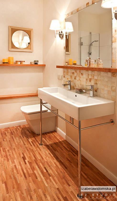 stylowa łazienka - umywalka na konsoli: styl , w kategorii Łazienka zaprojektowany przez Izabela Widomska Interiors