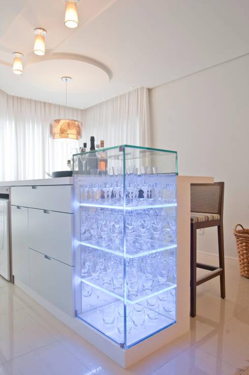 REQUINTE: Cozinha  por Élcio Bianchini Projetos
