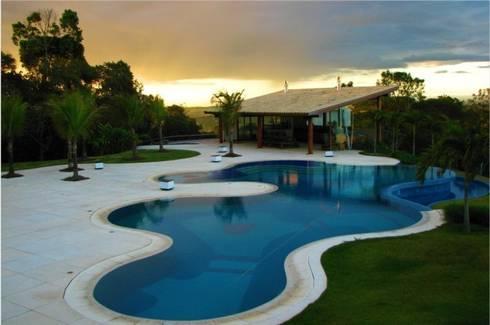 Residência MM: Piscinas modernas por Mascarenhas Arquitetos Associados