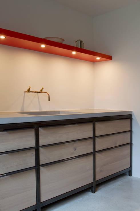 Keukens: scandinavische Keuken door Proest Interior