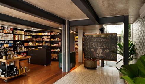 O Armazém do Barão: Espaços comerciais  por Mínima arquitetura e urbanismo
