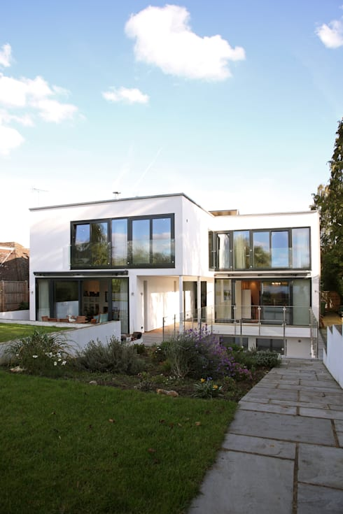 Radlett house: modern Houses by Nicolas Tye Architects