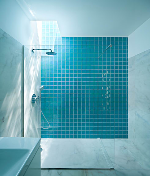 Banheiros minimalistas por Phyd Arquitectura