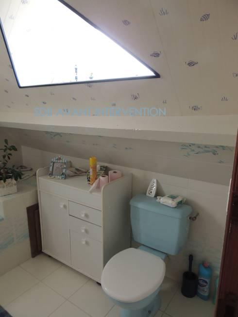 La salle de bain et toilettes avant transformation: Salle de bain de style  par L'Autrement Déco