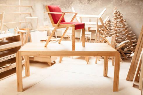 Silla Valencia : Comedores de estilo moderno por BLVD / Boulevard Furniture